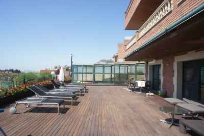 House with huge terraces and swimming pool a 30 minutes from Barcelona